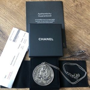 CHANEL-2005 Large Medallion Necklace